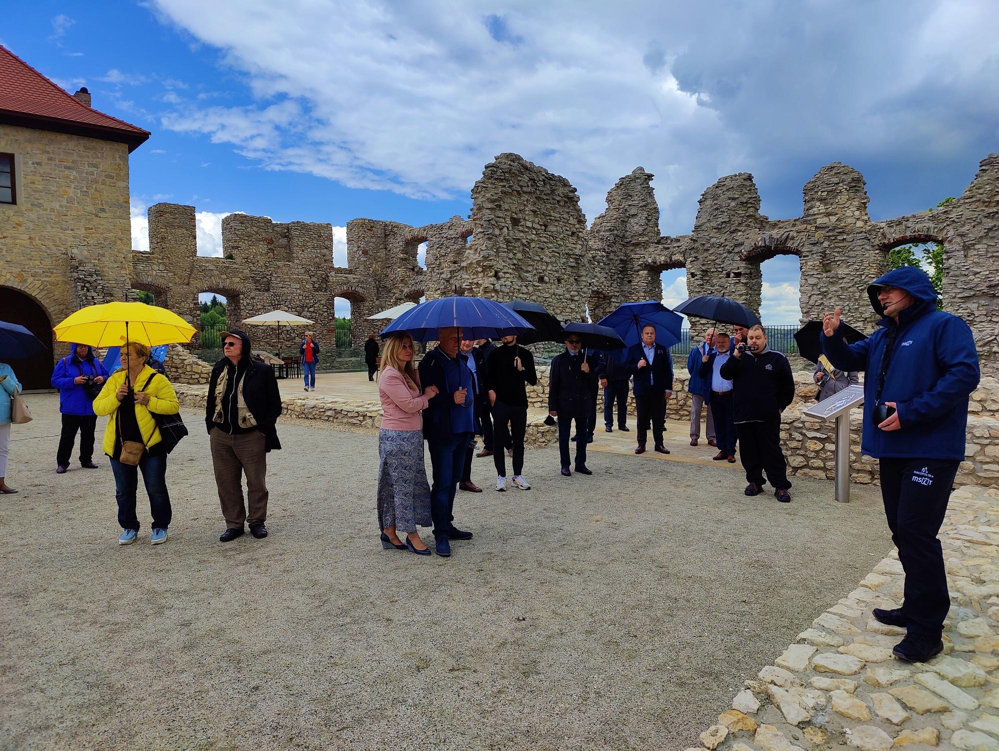 Pierwszy tysiąc na zamku w Rabsztynie